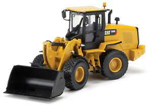 Norscot-1-50-Scale-Caterpillar-938K-Wheel-Loader-with-tools-55228-Diecast