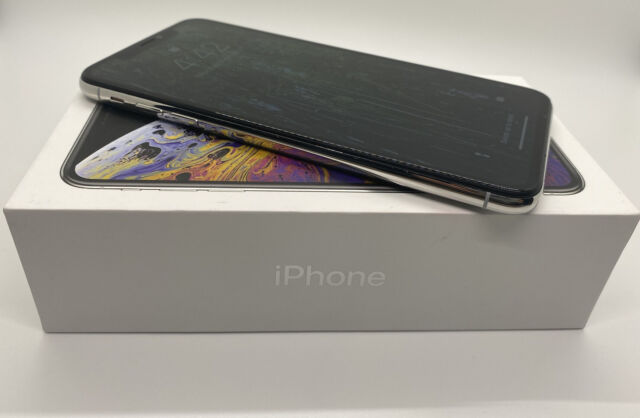Apple iPhone XS Max Unlocked 256GB Warranty 4/21 Fortnite Installed GSM CDMA