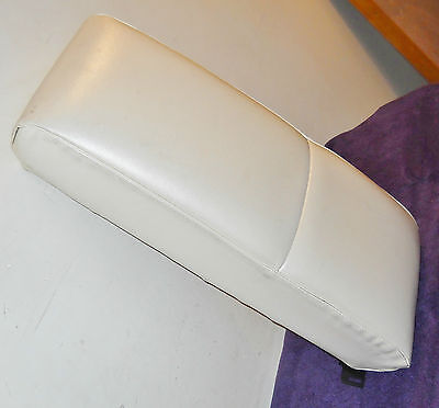 1968 1969 Thunderbird 2Door Hardtop ORIG PEARL WHITE REAR SEAT UPPER CENTER PAD