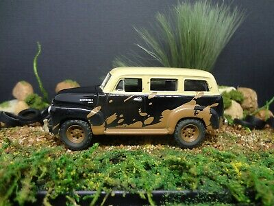 1980-1991 JEEP WAGONEER w HITCH 1:64 SCALE COLLECTIBLE LIMITED DIECAST MODEL CAR