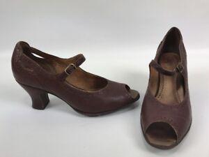 Clarks-Artisan-Peek-A-Boo-Toe-Kitten-Heels-Mary-Janes-Brown-Womens-Size-6-5M