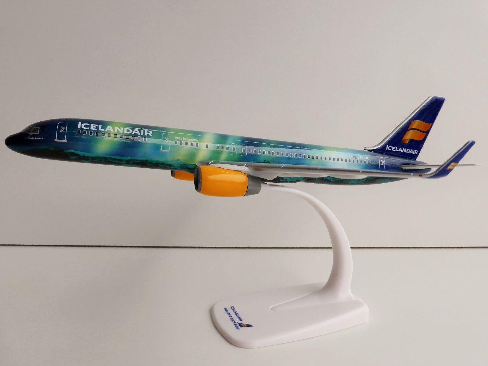 Icelandair Hekla Aurora Boeing 757-200 1 200 Herpa 610735 Snap Fit 757