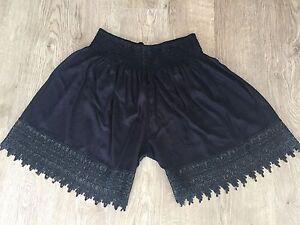 Adult-Plus-size-18-20-22-24-Lace-trim-black-shorts-shirred-waist-beach-shorts