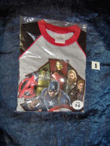 AGE 5//6 YEARS ASSORTED A SELECTION OF FLAT PACKED BOYS DISNEY//MARVEL PYJAMAS
