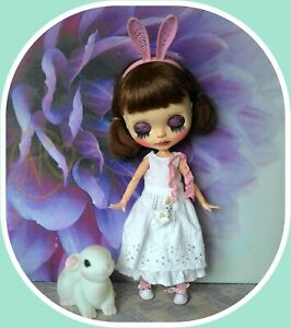 Blythe-doll-spring-white-outfit-by-Petra-NO-DOLL
