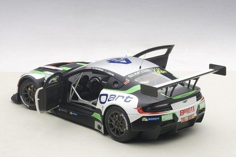 Autoart Aston Martin V12 Vantage Bathurst 12HRS Endurance Race 2015  99 1/18