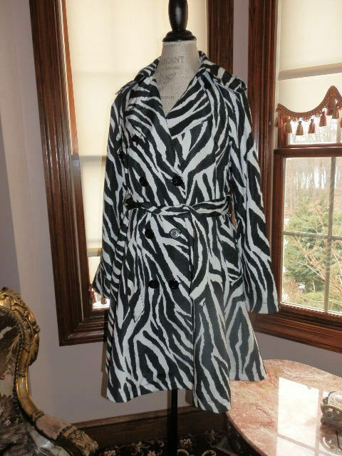 Beautiful Zebra Spring Swing Coat from Express High Quality Fits Like a Small