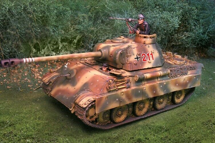 THE COLLECTORS SHOWCASE WW2 GERMAN NORMANDY CS00693 PANTHER TANK MIB