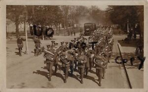 WW1-Regimente-Band-Royal-Fusiliers-On-The-Maerz