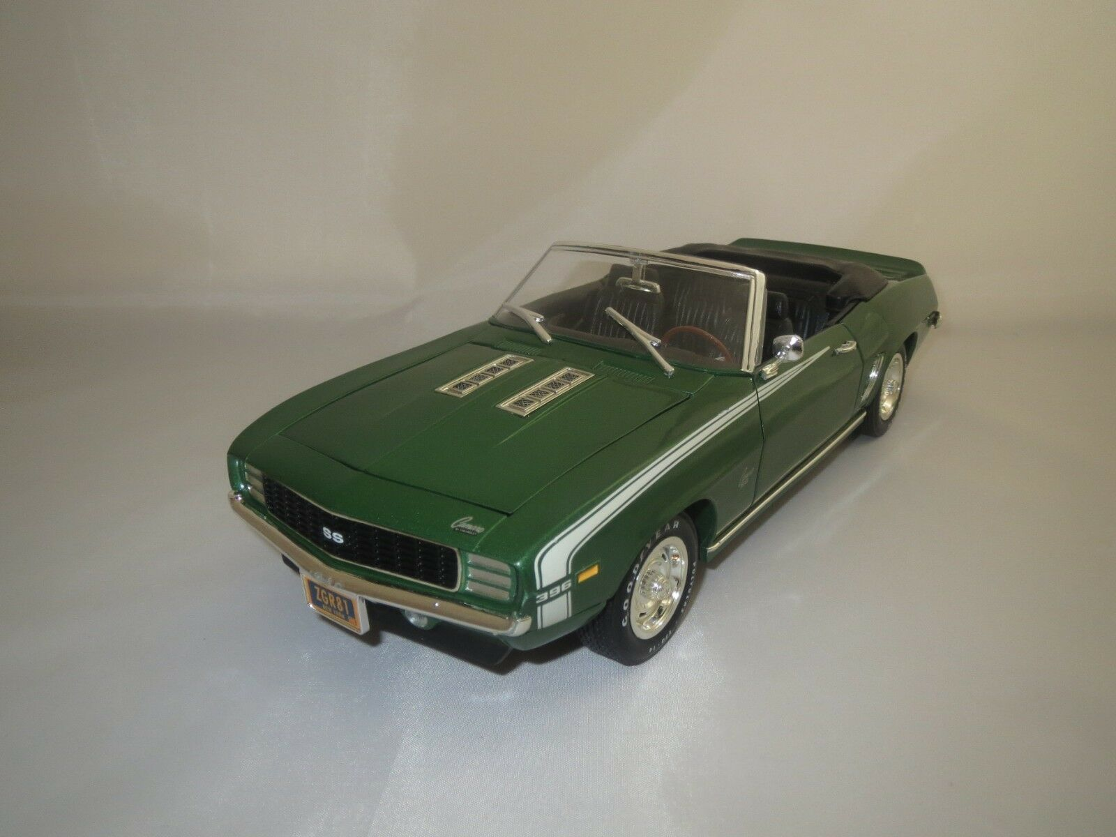 ERTL American Muscle CHEVROLET CAMARO 396 SS  1969  1 18 sans emballage  (1)