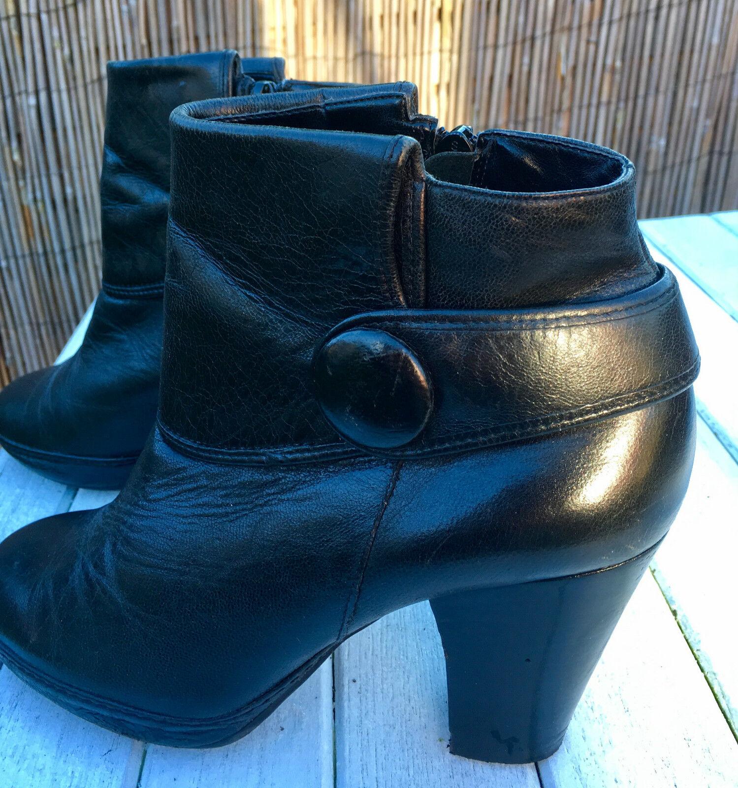 Schwarze Leder-Stiefele<wbr/>tte / Pumps von CLARKS in Größe 5,5 (38,5) Plateau