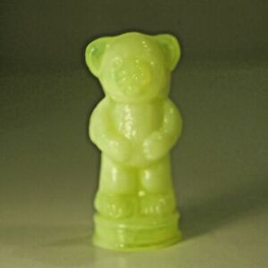 Vintage-Boyd-Yellow-Opalesent-Glass-Andy-The-Bear-3-034-tall-Mint