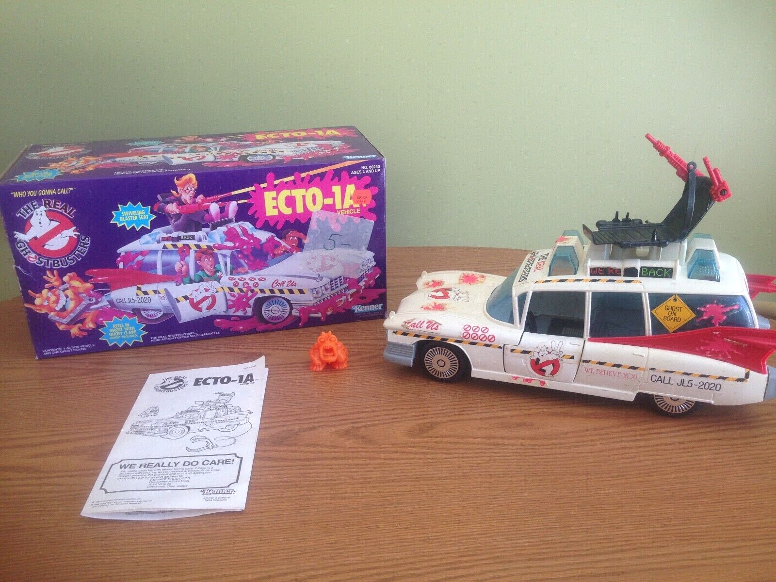 1986 ECTO 1 COMPLETE w BOX BOX BOX AND INSTRUCTIONS VINTAGE THE REAL GHOSTBUSTERS KENNER d4f61a