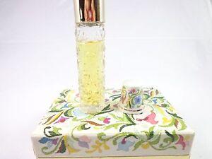 Vintage-Avon-Fragrant-Notions-cologne-Needle-Holder-Porcelain-Thimble-Ariane-NWB