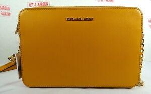 8bd54e136c08 Michael Kors Jet Set Travel Large EW Marigold Leather Crossbody ...