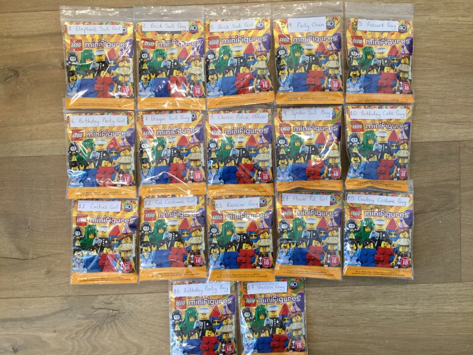 LEGO Minifigures série 18 Complète Ensemble Complet incl POLICIER-NEUF
