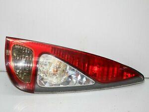 Toyota-Yaris-Verso-2003-2005-trasero-derecha-Luz-del-lado-del-conductor