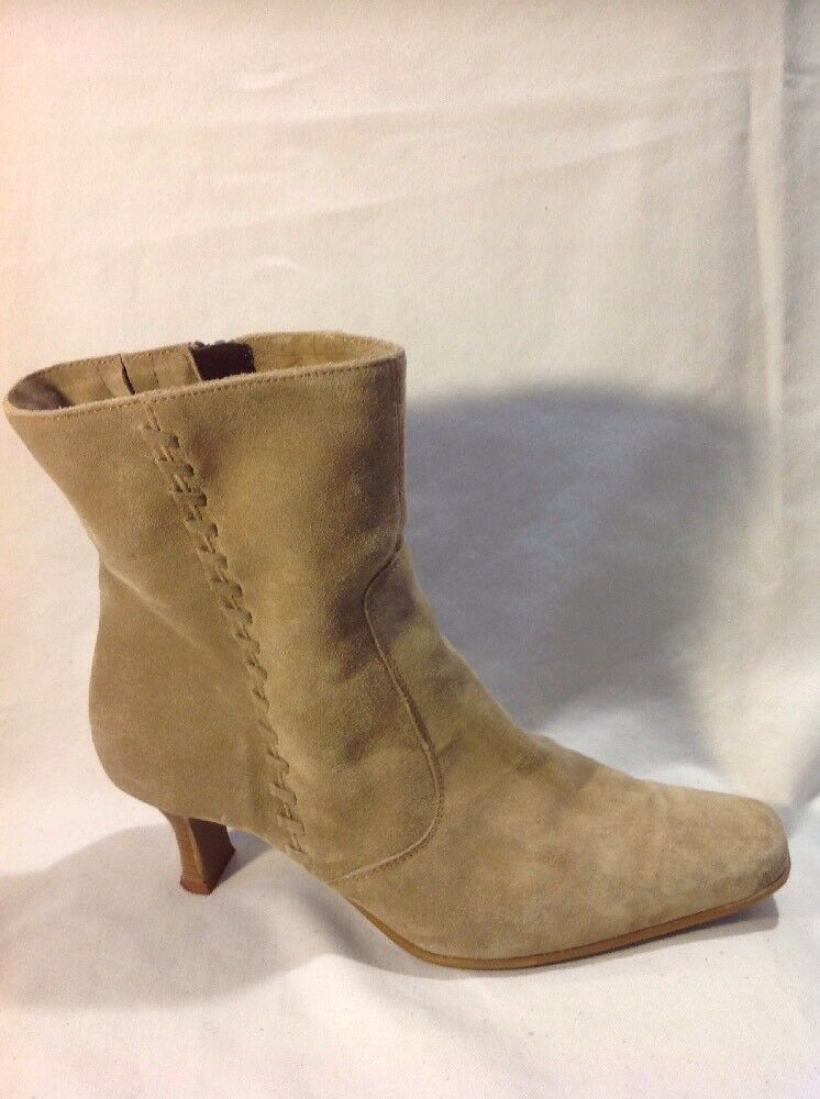 Essence Brown Ankle Suede Boots Size 39