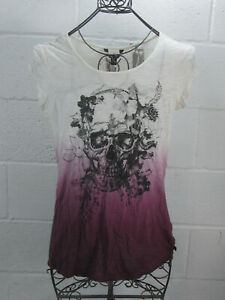 NEW-Rock-amp-Republic-White-Short-Sleeve-Skull-Front-Feather-Back-Top-Shirt-Small
