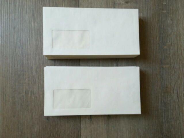 25 Briefumschläge 11x22 cm mit Haftstreifen und Fenster Creme