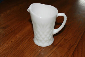 EAPC-Prescut-Pineapple-White-Milk-Glass-10-oz-Pitcher-Creamer-by-Anchor-Hocking