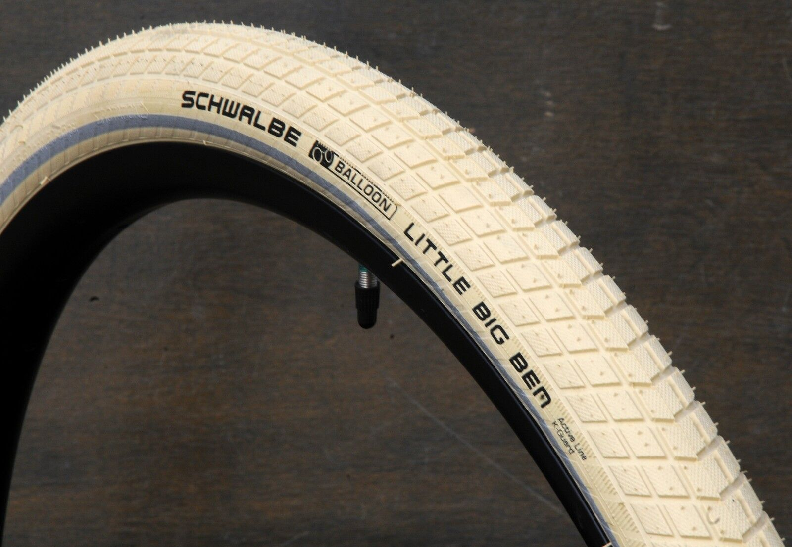 700x38 Antique Cream White 29er Schwalbe LBB Bicycle Tires 28  Wood Wheel Bike