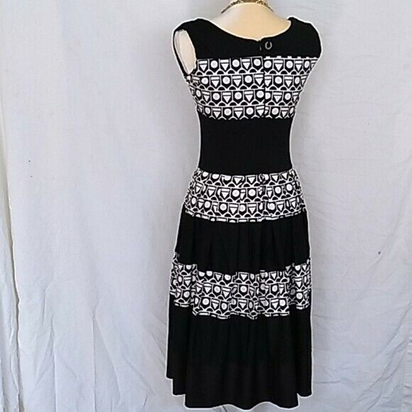 Save the Queen! geometric waisted dress sz M - image 2