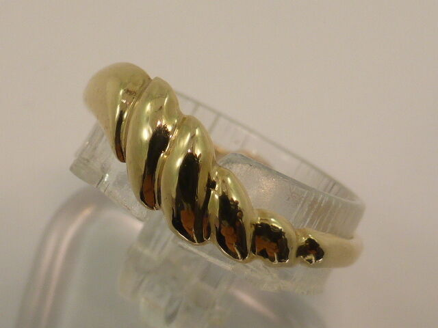 9ct Solid Yellow gold Polished Curl Twist Wave Dress Ring size M½