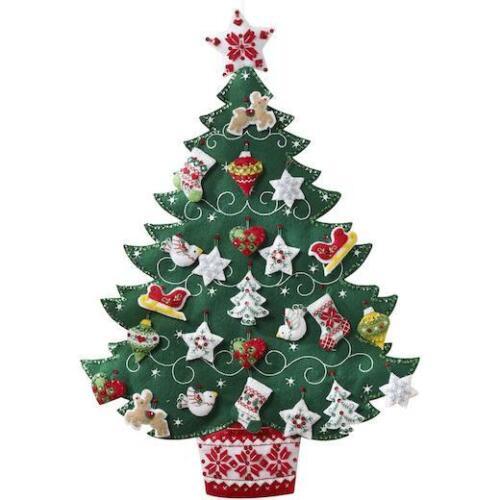 "Nordic Tree Bucilla 17x24/"" Felt Advent Calendar Kit"