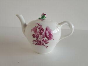 Meissen-kleine-Teekanne-purpur-Blumen-um-1780-1-Wahl
