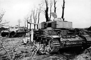 War-Photo-Abandoned-German-tank-Pz-Kpfw-WW2-Wehrmacht-Glossy-034-4-x-6-034-inch-G