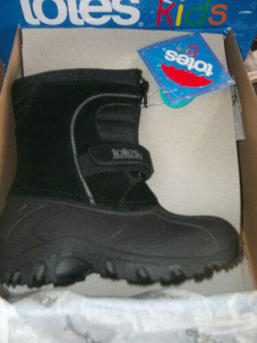 Totes Boys Travis Black Winter boots Size 10 or 11M Childs  Med New box