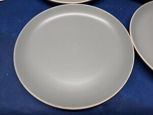 Gibson Home Solid Gray Set/4 Dinner Plates EUC