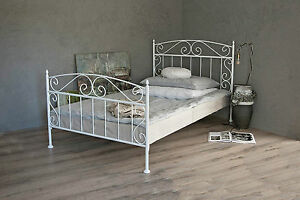 metallbett in weiss ecru oder schwarz 120x200 aus schmiedeeisen inkl lattenrost ebay. Black Bedroom Furniture Sets. Home Design Ideas