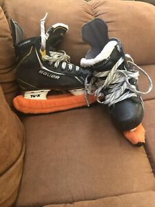 Bauer-Supreme-One-6-Junior-Ice-Skates-Size-1-5-W-Blade-Covers
