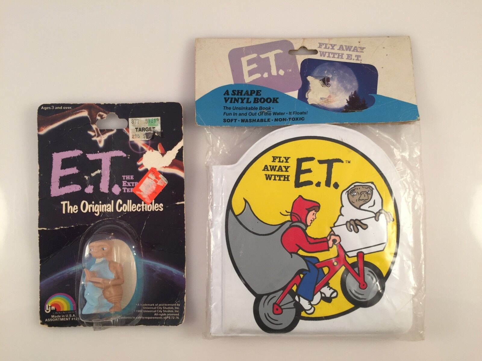 VINTAGE E.T. THE EXTRA TERRESTRIAL ACTION FIGURE AND RARE BOOK — NEW, SEALED