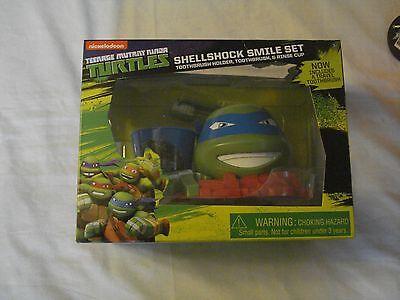 Nickelodeon Teenage Mutant Ninja Turtles Leonardo Shellshock Smile