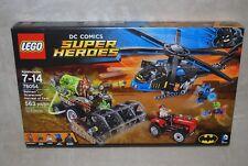 LEGO 76054 DC Comics Super Heroes Batman Scarecrow Harvest of Fear Dents Wear