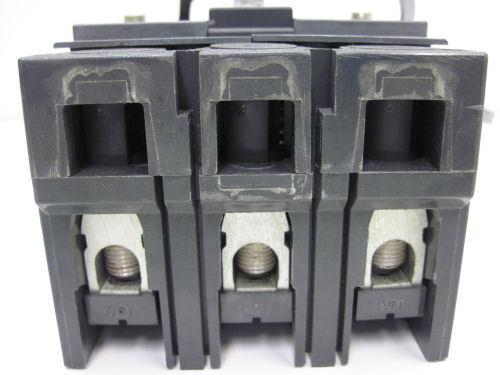 GE MAG-BREAK CIRCUIT BREAKER 3 POLE 7A 600V SELA36AI0007 w// 3 AMP PLUG HARNESS