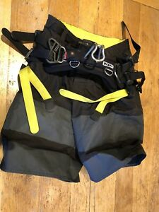 ION-B2-Shorts-Kitesurfing-Harness-XS-Perfect-Condition