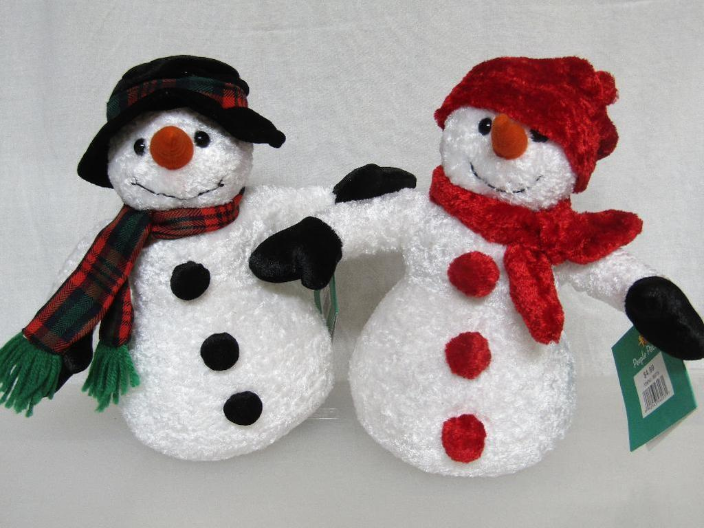 NWT NEW LOT OF 2 VINTAGE CHRISTMAS People Pals 10  SOFT Plush Snowmen SNOWMAN