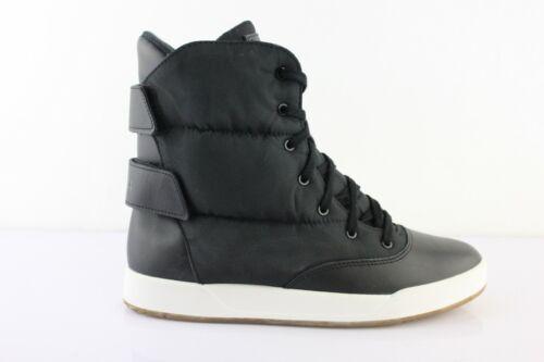 Reebok Freestyle Hi Puff Boot Stiefel Sneaker High Schneestiefel Schwarz M41901