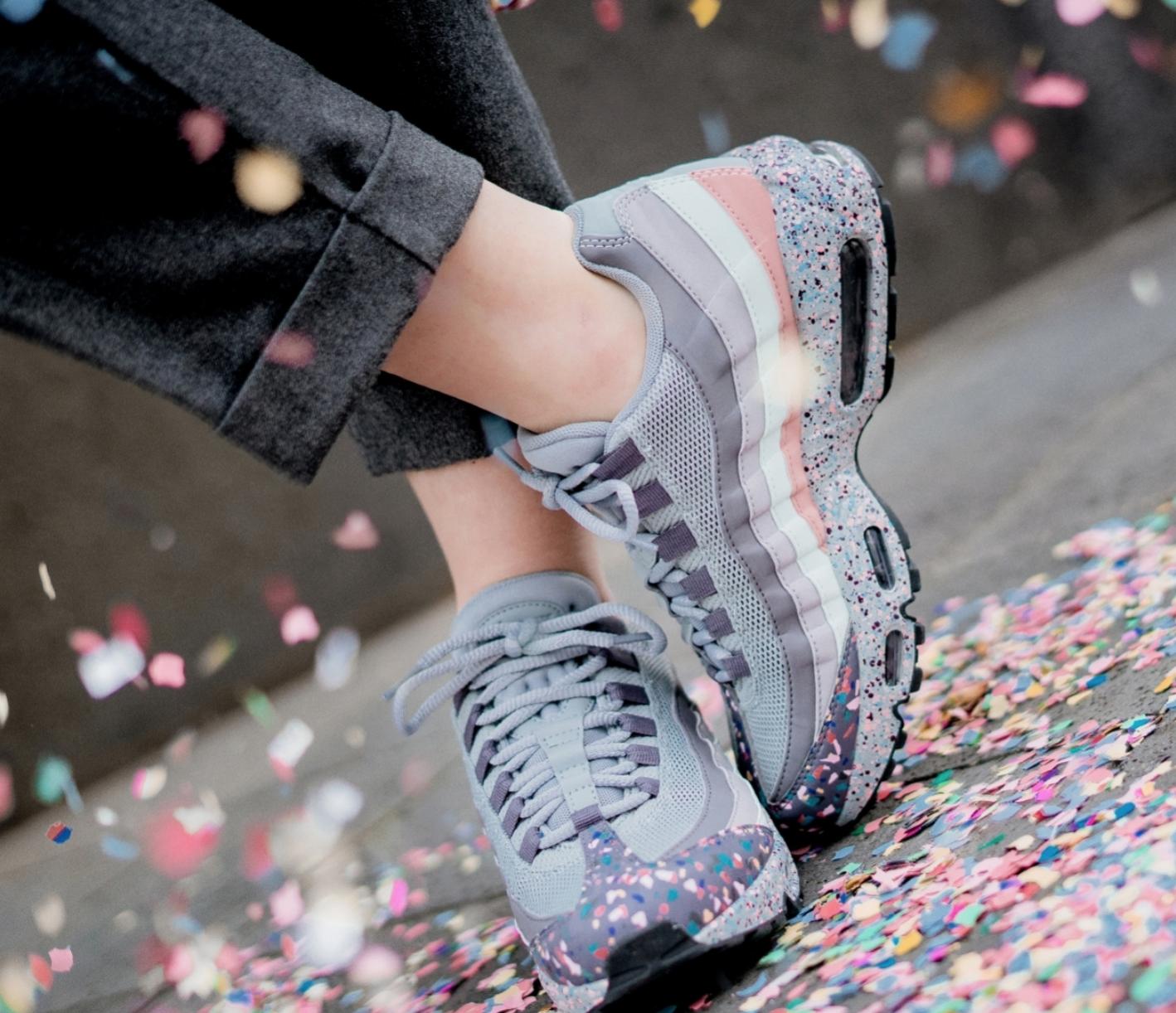 Nike AIR MAX 95  Confetti  Taglia EU 40 40 40 US 8.5 918413-002 d0c538