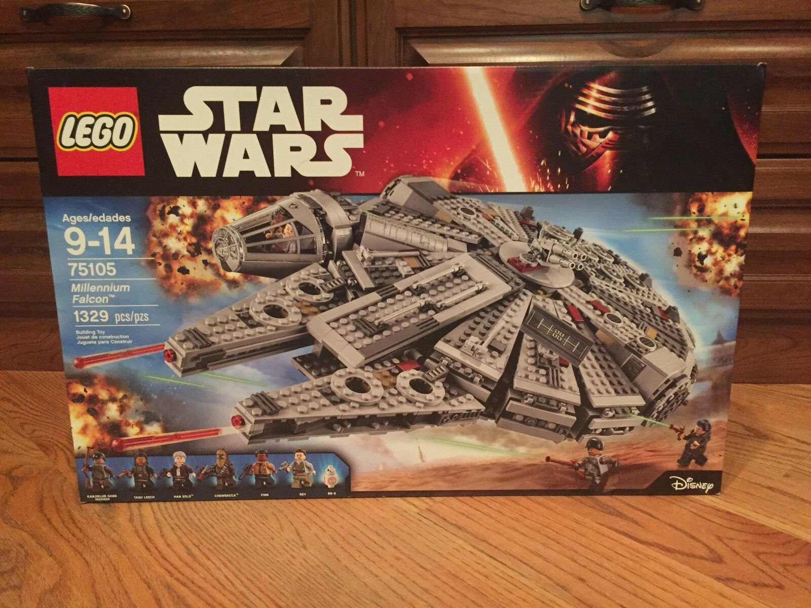 [New, Sealed] LEGO Star Wars Millennium Falcon 2015 (75105) (75105) (75105) f11ecd