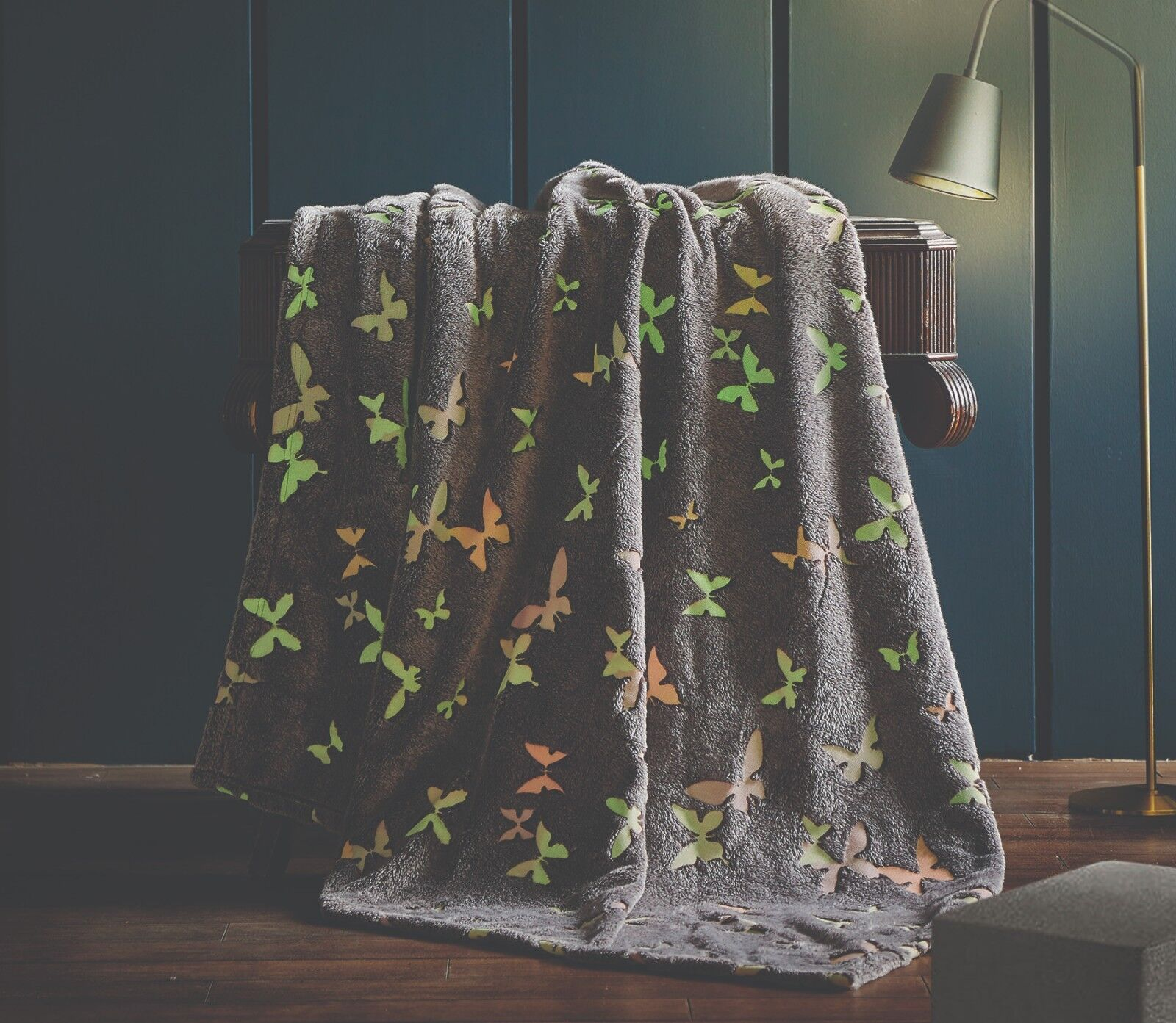GLOW IN THE DARK LUXURY PLUSH KIDS THROW Blanket Butterflies Regal Comfort