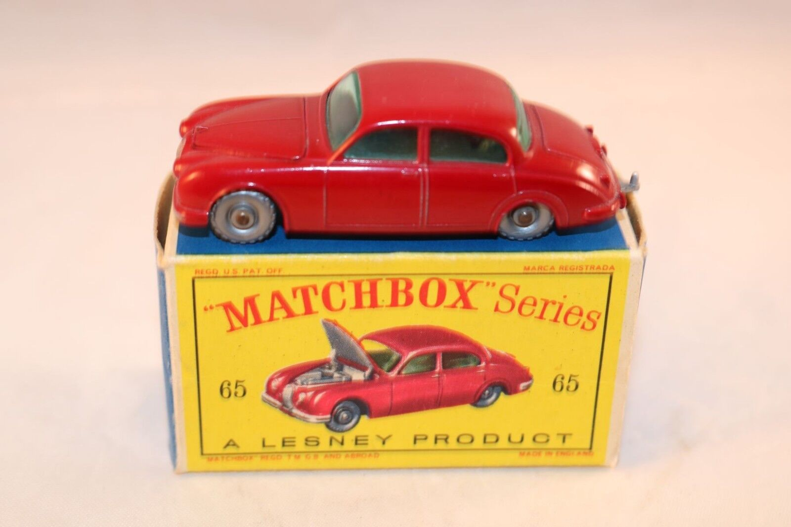 Matchbox Lesney No 65 Jaguar 3.8 Sedan rosso GPW near mint in box