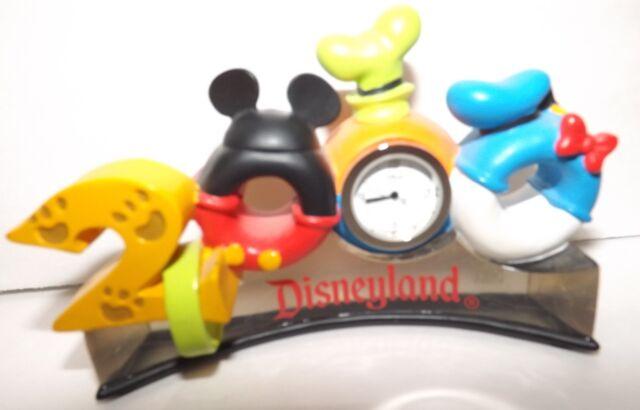 Disneyland  Antenna Topper Chunky Character 2000 Desk Clock
