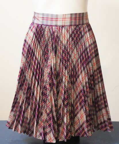 Lovely Suede Vintage Floral Skirt with Pleated Detail