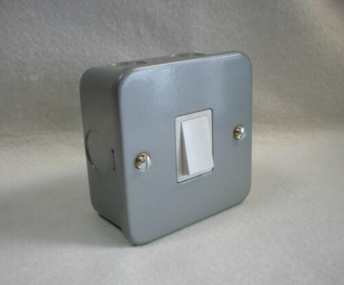 10amp 1 Gang métal clad Commutateur-unique metal clad commutateur avec boîte de surface