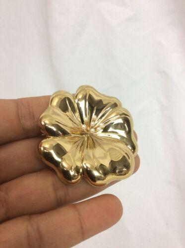 Beautiful vintage Carolee Flower Gold  tone pin br